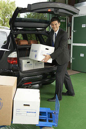 ebay business man unloading retail stock